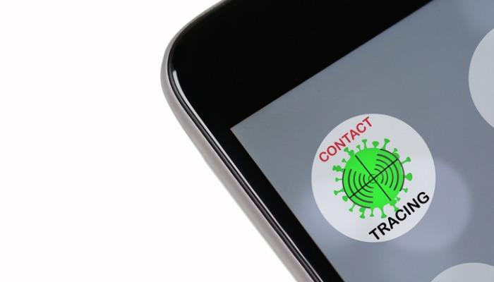 concept-of-coronavirus-fake-tracking-or-tracing-application-to-reduce-picture-id1221389703