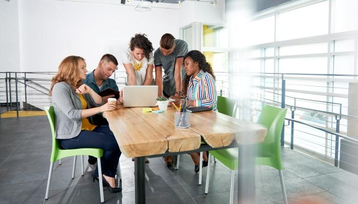 meeting-team-employees-2-Copy